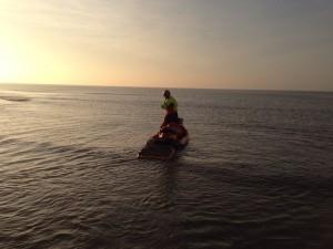 waterscooter in zee bij zoekactie